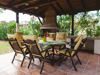 R70 Spacious apartment with excellent garden. - Nea Potidea vacation rentals