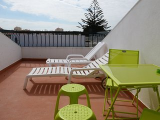 HYH Carcavelos Coast - Dorm - Carcavelos vacation rentals