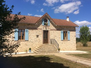 La Jolie Maison, detached rental cottage in the Perigord-Limousin National Park - Champsac vacation rentals