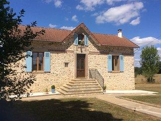 La Jolie Maison, detached rental cottage in the Perigord-Limousin National Park - Champsac vacation rentals