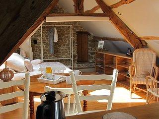 Chambre d'hôtes dans un village typique de la Suisse Normande - Rabodanges vacation rentals