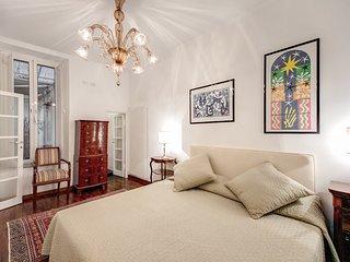 Elegant 1 Bedroom Apartment near the Pantheon - Rome vacation rentals