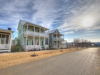 Spacious cottage in Carlton Landing with second story view of Lake Eufaula! - Eufaula vacation rentals