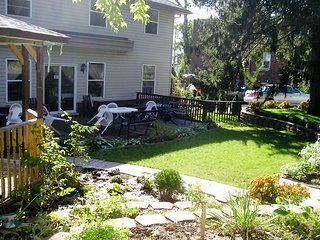 NO NAME SUITE (2 bed rooms for the price of 1) at Susan´s - Niagara Falls vacation rentals