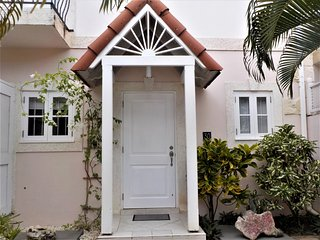 Stylish 3 bedroom townhouse, within walking distance to the beach - Porters vacation rentals
