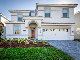 WOW! 9 bed 5 bath pool home starts  300 nt - Disney vacation rentals
