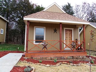 Vacation Cabin with River access - Waynesville vacation rentals
