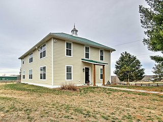 NEW! 'Anny's Farm House' 4BR Round Hill House - Round Hill vacation rentals
