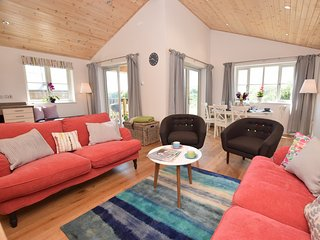 Lovely House with Internet Access and Fireplace - Winnard's Perch vacation rentals