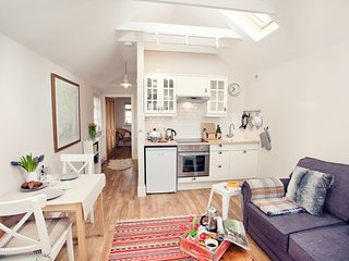 Charming 1 bedroom Pant-y-Gelli House with Internet Access - Pant-y-Gelli vacation rentals