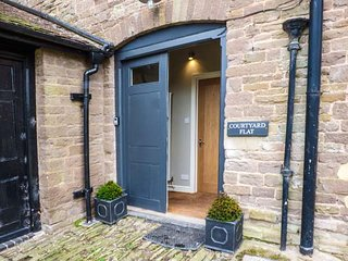 COURTYARD FLAT luxury first floor apartment, en-suites, WiFi, Bromyard, Ref - Bromyard vacation rentals