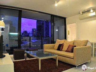 2Bdr/2Bath - City Apt *FREE TRAM ZONE* (RS907) - Melbourne vacation rentals