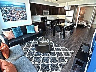 SPACIOUS 3 BDR + 2 BATH, CNE, LAKESHORE, LAKE VIEW - Toronto vacation rentals