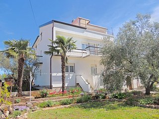 00501 Classic apartment with seaview - Brzac vacation rentals