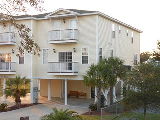 Nice House with Deck and Internet Access - Murrells Inlet vacation rentals
