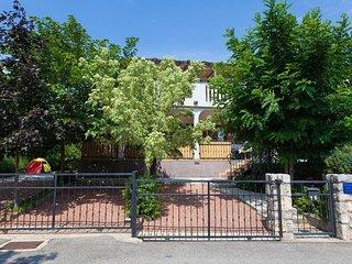 09801 Stylish and cozy apartment - Pinezici vacation rentals