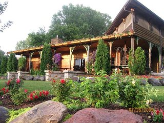 Comfortable Cabin with Deck and Internet Access - Marquette vacation rentals
