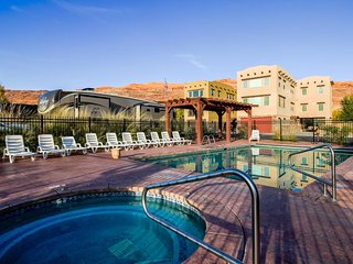 Luxury home w/ panoramic views, in-home theater & shared pool/hot tub! - Moab vacation rentals
