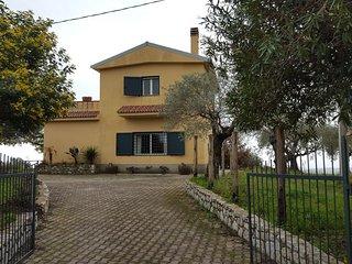 2 bedroom Villa with Parking in Badolato - Badolato vacation rentals