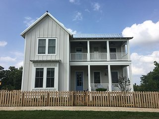 Large beautiful cottage overlooking Redbud Park - Longtown vacation rentals