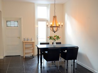 Lovely city house in center of Leiden - Leiden vacation rentals