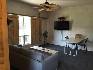 Perfect Condo with A/C and Parking - Sesser vacation rentals
