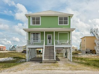 Bright House with Deck and Internet Access - Gasque vacation rentals