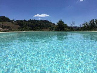Casa Monteleone - luxury cottage with pool & mountain views - Monteleone di Fermo vacation rentals