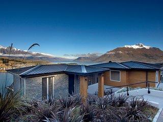 Bel Lago luxury villa in Queenstown New Zealand - Queenstown vacation rentals