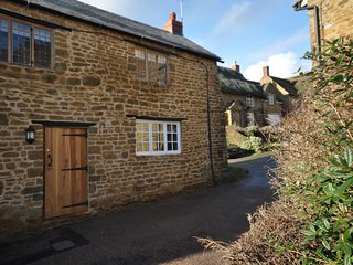 2 bedroom House with Internet Access in Milcombe - Milcombe vacation rentals