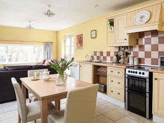 48483 Cottage in Robertsbridge - Robertsbridge vacation rentals