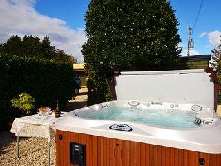 Perfect 2 bedroom Barn in Brize Norton - Brize Norton vacation rentals
