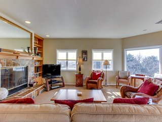Spacious dog-friendly home, beautiful views, walk to Tolovana Beach! - Cannon Beach vacation rentals