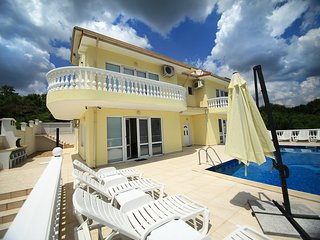 Villa Emloti Art-Decor & Fashion Boutique - Balchik vacation rentals