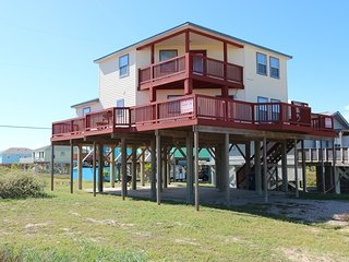 JUST A FEW YARDS FROM WHITE SANDY BEACH - Surfside Beach vacation rentals