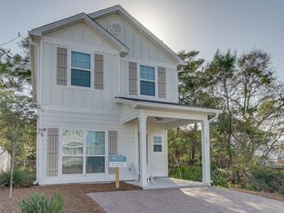 Stylish beach cottage in quiet location, close to shoreline! Snowbirds welcome! - Panama City Beach vacation rentals