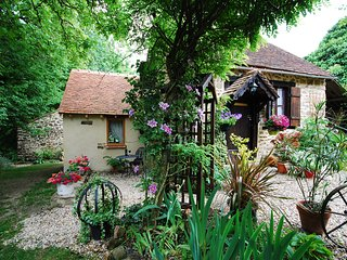 Beautiful 2 bedroom Saint-Sebastien Cottage with Internet Access - Saint-Sebastien vacation rentals