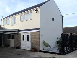 Norton lodge, Sutton - on - Sea near Mablethorpe - close to beach & shops - Sutton-on-Sea vacation rentals