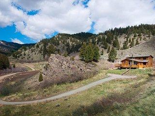 Bangtail Cabin - Livingston vacation rentals