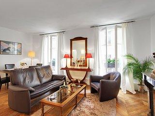 Quiet apartment on Ile Saint Louis - Paris vacation rentals
