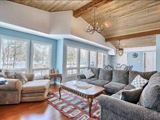 4 bedroom Cottage with Deck in Fenelon Falls - Fenelon Falls vacation rentals