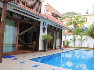 Perfect Villa with Internet Access and A/C - Sinquerim vacation rentals