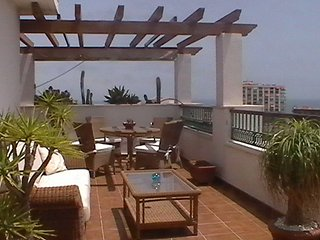 Bright Condo with A/C and Shared Outdoor Pool - Torremolinos vacation rentals