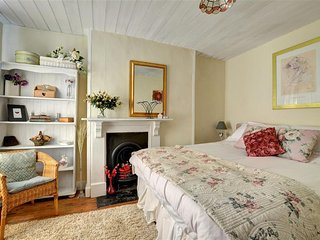 Lovely Cottage with Internet Access and Washing Machine - Abercegir vacation rentals