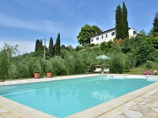Spacious 4 bedroom House in San Miniato with Private Outdoor Pool - San Miniato vacation rentals