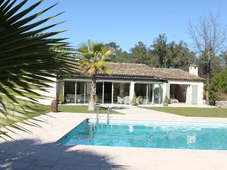 Nice 1 bedroom Le Muy Bed and Breakfast with Internet Access - Le Muy vacation rentals