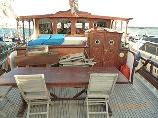 bateau, gîte, goelette de 23 mètres; plage et parking - Cap-d'Agde vacation rentals