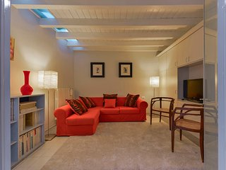 Luce - Florence center near Piazza Santa Croce 3 bdr - Florence vacation rentals
