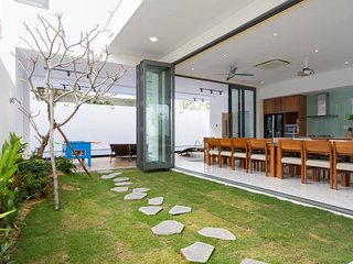 Stunning and Luxurious Villa close to My Khe Beach - Da Nang vacation rentals