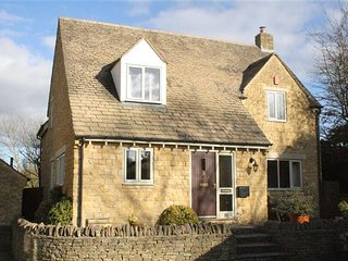 Troutbeck Cottage, Lower Swell near Stow on the Wold. - Swell vacation rentals